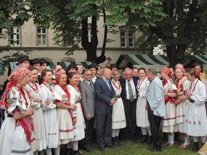 Sa predsjednikom Mesićem (Trg Francuske Republike, Zagreb, lipanj 2004.)