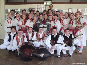 Uskrs 2004. (Novi Marof, stare prostorije KUD-a)
